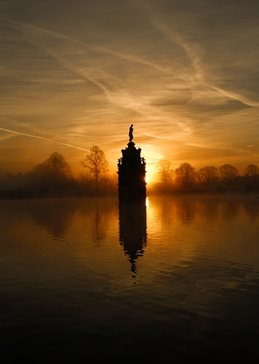 photogrpahy Diana Fountain, Bushy Park, Sunrise personalised online greeting card