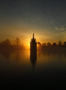 General Diana Fountain, Bushy Park, Sunrise personalised online greeting card